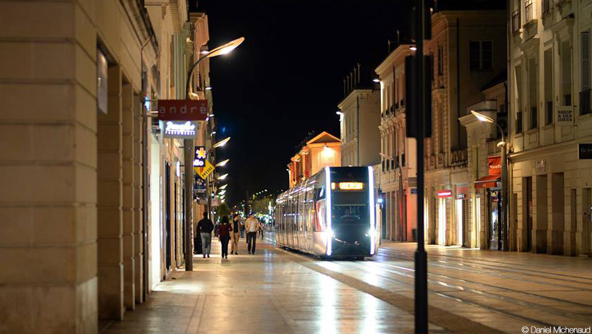 Tram_rueNational